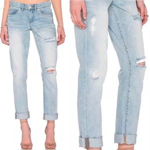 Blank NYC Tomboy Distressed Jeans Light Wash - 28